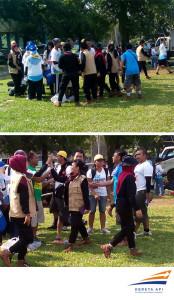 Para peserta saling berjabat tanggan usai pengumuman pemenang