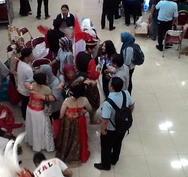 Tim menari Bank Indonesia
